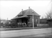 Garfield St. railroad station, Oak Park